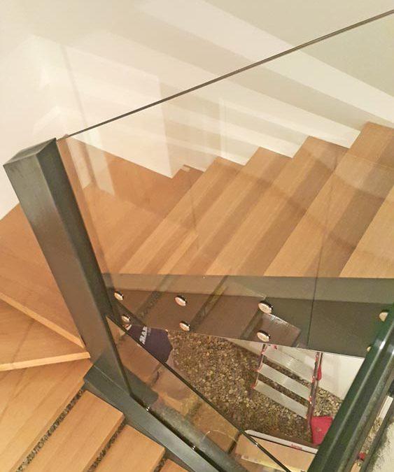 Staklena stepeništa, tuš kabine i staklene pregrade – Pećine